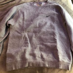 Vintage Nike Men's Grey Crewneck Size Medium